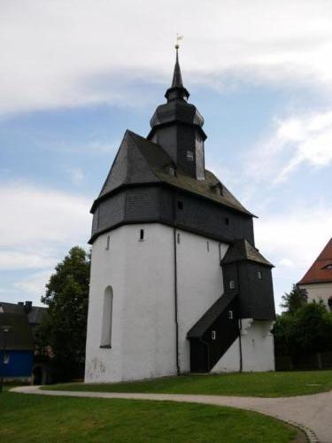 P1090479alte KircheBad Steben